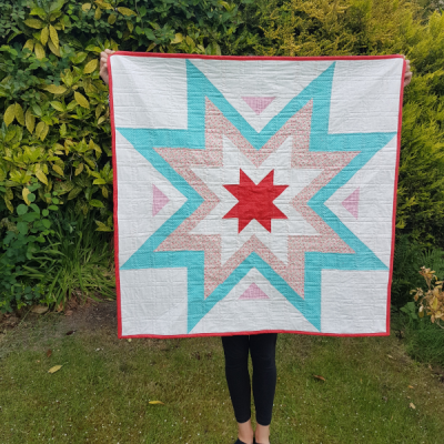 Quilty Love Expanding Star Quilt